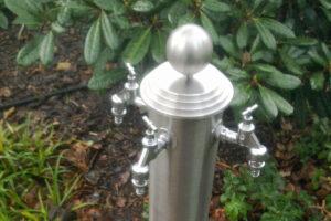 Wasserhahnsäule aus Edelstahl