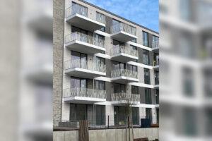 Metallbau Geerz - Design-Balkongeländer für Mehrfamilienhaus