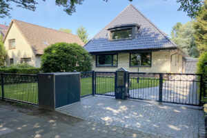 Metallbau Geerz - Tor- und Zaunalage für Einfamilienhaus