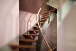 Metallbau Geerz - Verglastes Treppengeländer für Hausflur